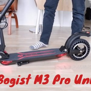 Aovo Bogist M3 Pro Electric Scooter Unboxing